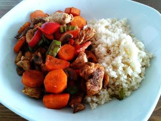 Kurczak orientalny z warzywami i kuskusem