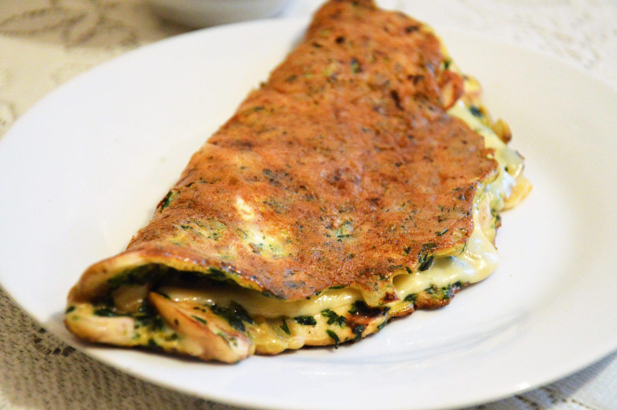 co jeść na kolację - omlet na wytrawnie