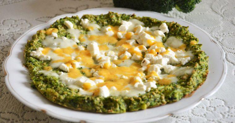 Pizza serowa na brokułowym spodzie