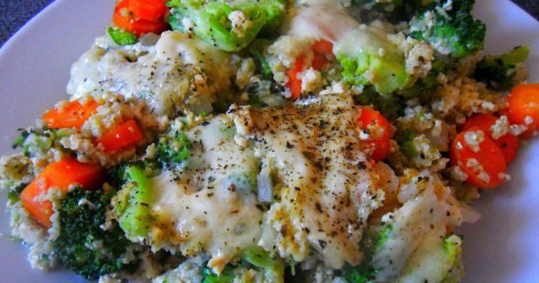 Zapiekanka jaglana z brokułami, marchewką i mozzarellą