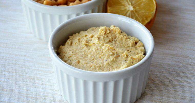 Hummus, czyli arabska pasta z ciecierzycy i tahini