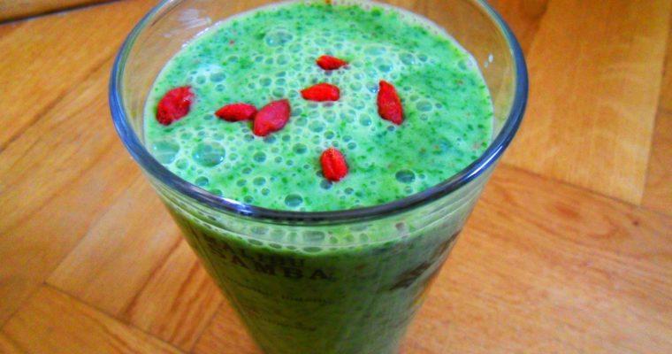 Zielone smoothie z jagodami goji