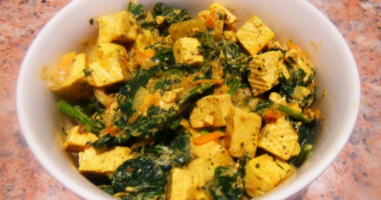 Curry z tofu i szpinakiem
