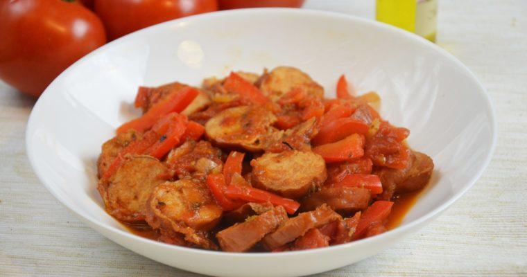 Spetsofai, czyli grecki gulasz z kiełbasy