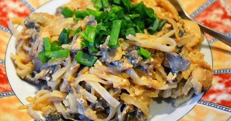 Pad Thai z pieczarkami