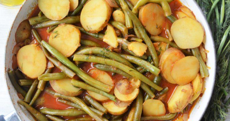 Fasolakia, czyli fasolka szparagowa w pomidorach