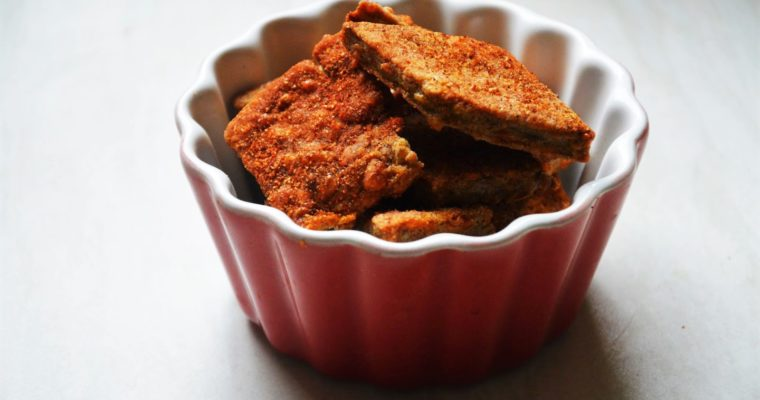 Paprykowe krakersy z serem