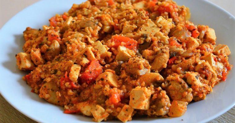 Kasza jaglana z pomidorami i tofu