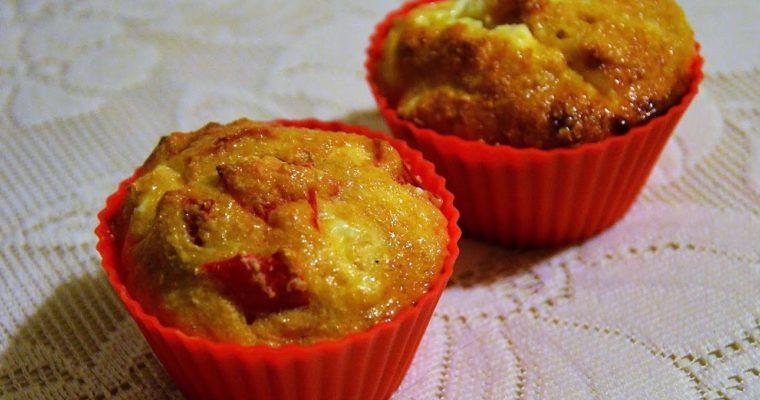 Muffinki otrębowe z fetą i papryką bez mąki