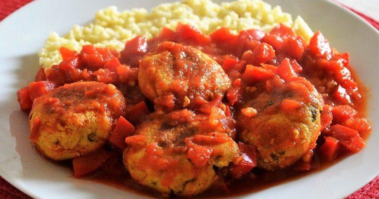 Kofty z tofu w sosie pomidorowym