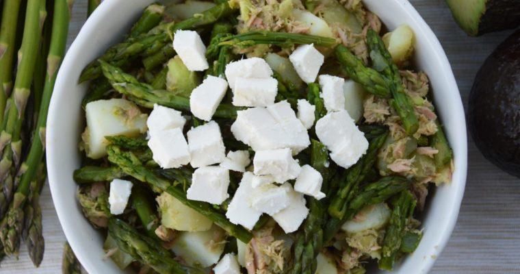 Sałatka ziemniaczana ze szparagami i tuńczykiem