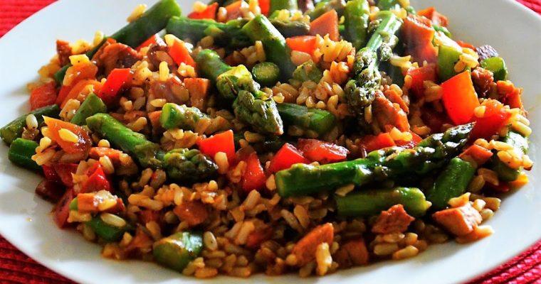 Risotto z brązowego ryżu ze szparagami