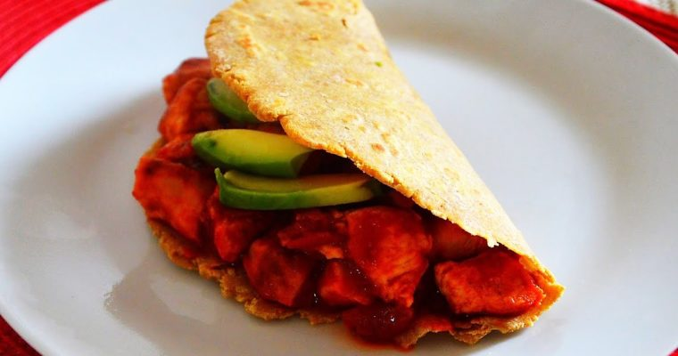 Tacos z kurczakiem, pomidorami i awokado