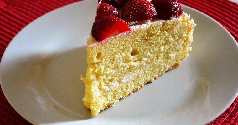 Strawberry White, czyli tort z truskawkami i krem o smaku białej czekolady