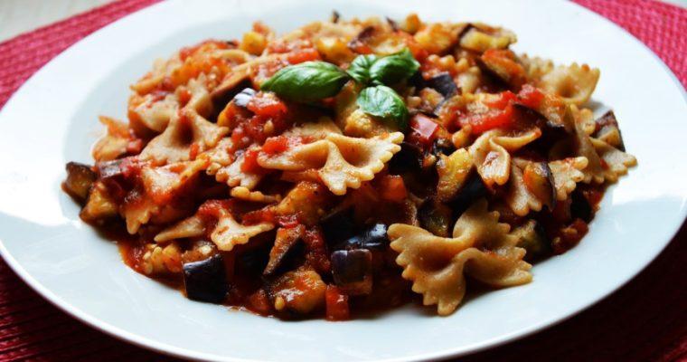 Pasta alla norma – włoski wegański makaron z bakłażanem