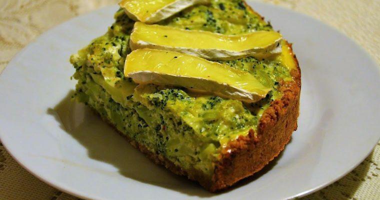 Tarta z brokułami i serem camembert