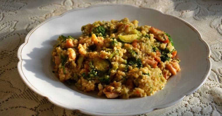 Kasza jaglana z kurczakiem, brukselkami i brokułami