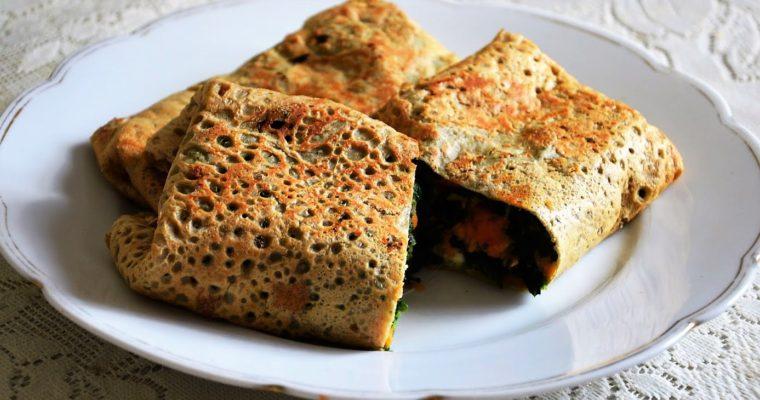 Naleśniki gryczane ze szpinakiem, batatami i mozzarellą