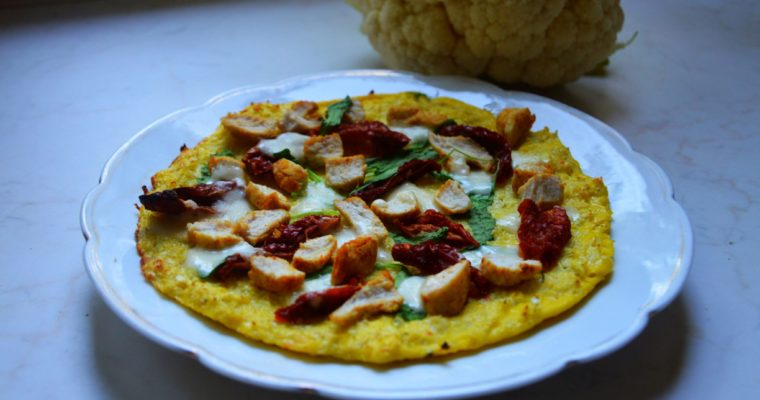Pizza kalafiorowa z mozzarellą