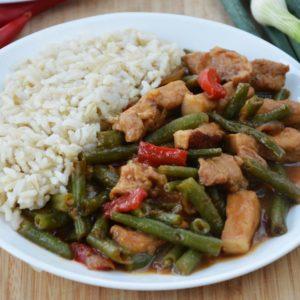 Stir-fry z wieprzowiną i fasolką szparagową