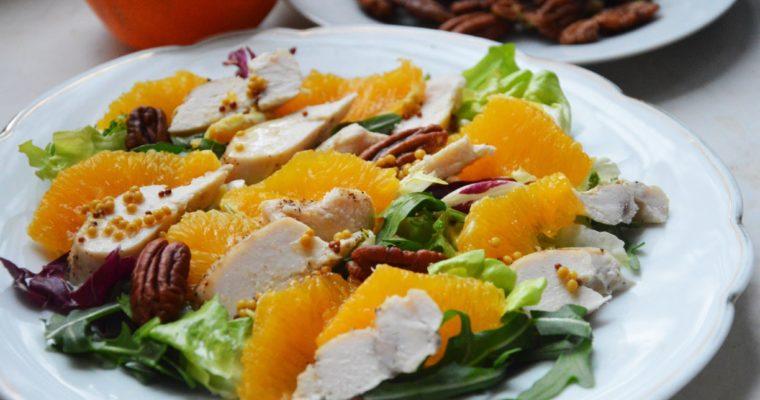 Sałatka z kurczakiem, pomarańczami i pekanami