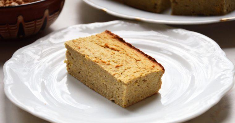 Bezglutenowe ciasto z ciecierzycy o smaku biszkoptu