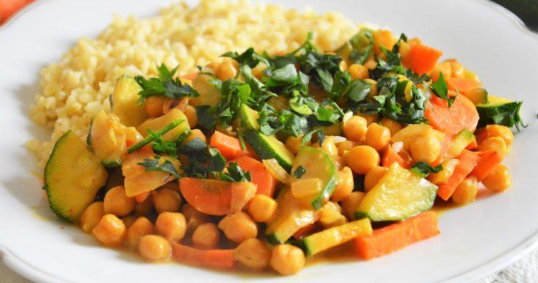 Curry z ciecierzycy i cukinii
