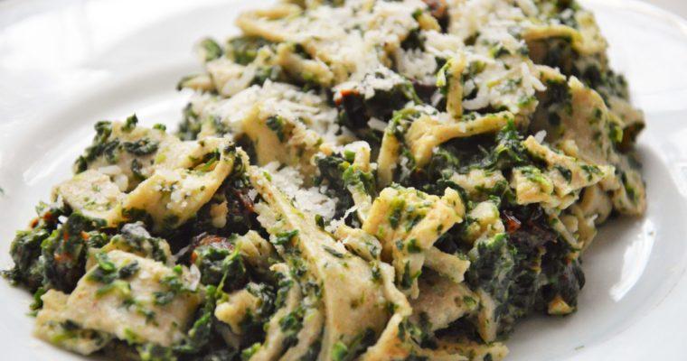 Tagliatelle naleśnikowe ze szpinakiem w sosie serowym