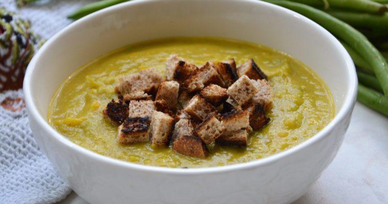 Zupa krem z fasolki szparagowej z grzankami