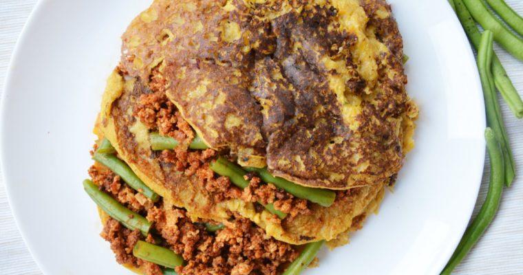 Wegańskie naleśniki dyniowe z mielonym tofu i fasolką szparagową