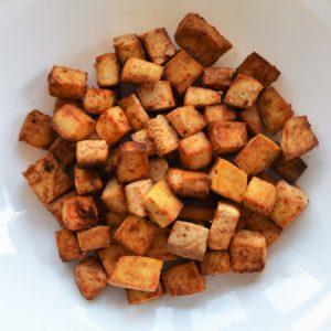 Marynowane kostki tofu z piekarnika