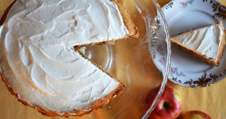 Pełnoziarnisty tort szarlotkowy z serkiem bez cukru