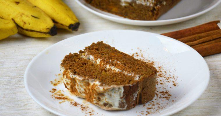 Zdrowe ciasto dyniowe bez cukru z kremem śmietankowym