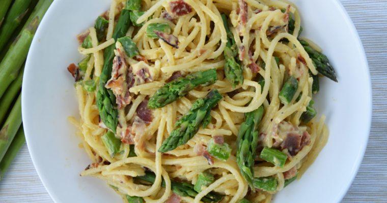 Spaghetti alla carbonara ze szparagami