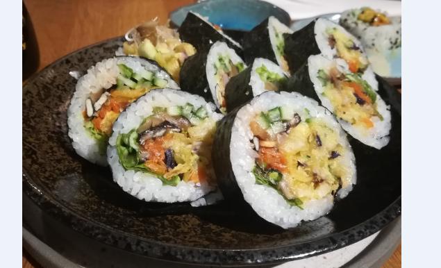 Wegańskie sushi w Warszawie – Youmiko Vegan Sushi pokazuje, że można!