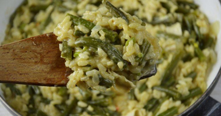 Risotto z fasolką szparagową i serem camembert – super kremowe