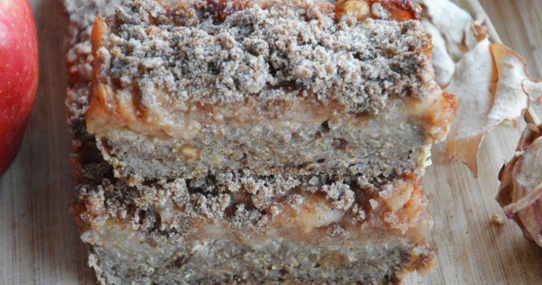 Szarlotka z komosy ryżowej z kruszonką – wegańska, bezglutenowa i bez cukru