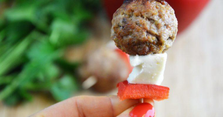 Koreczki z klopsikami, papryką i mozzarellą – super przekąska imprezowa