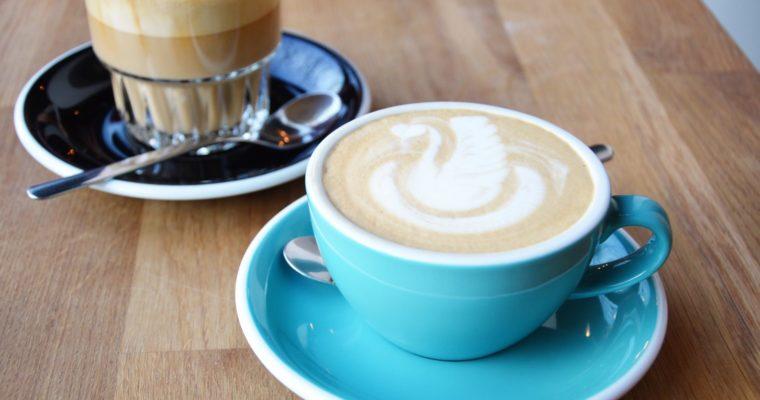Gdzie iść na kawę w Warszawie – czyli moje ulubione warszawskie kawiarnie (subiektywne top 5)