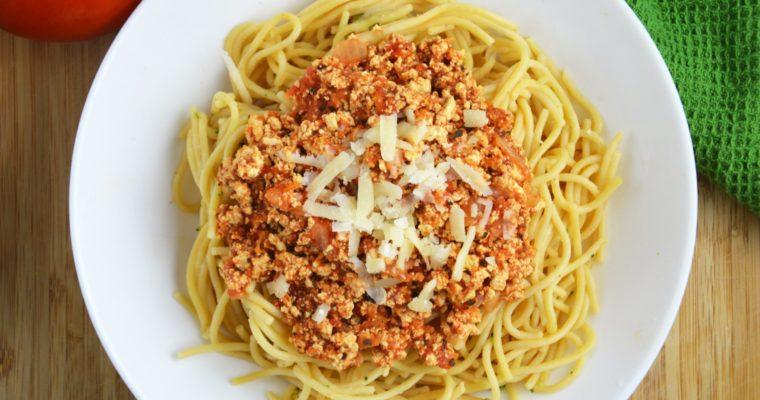 Wegańskie spaghetti bolognese – lekkie i aromatyczne