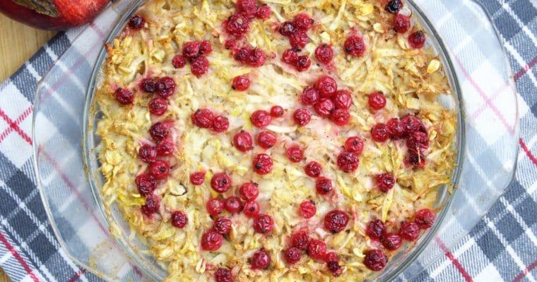 Pieczona owsianka z jabłkiem i porzeczkami