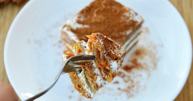 Fit ciasto marchewkowe z kremem – bez cukru, łatwe i pyszne