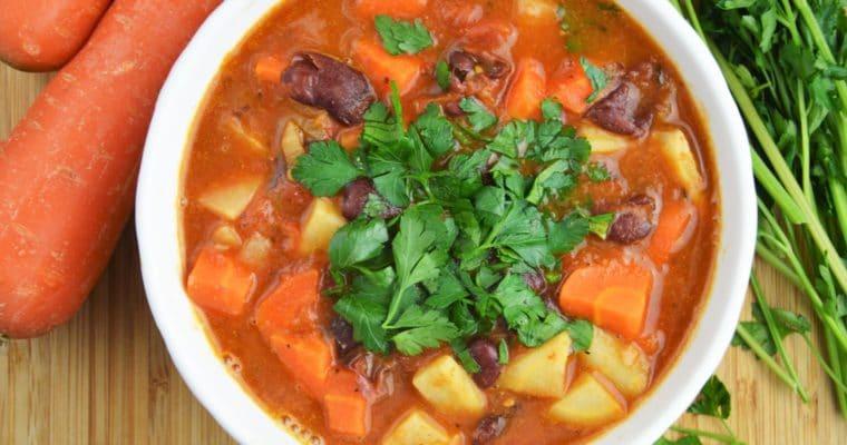 Meksykańska zupa z czerwonej fasoli – wegańska, łatwa i szybka