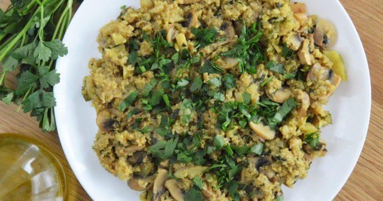 Komosa ryżowa z pieczarkami i cukinią – jednopatelniowy szybki zdrowy obiad