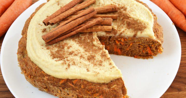 Fit wegańskie ciasto marchewkowe bez cukru z kremem z nerkowców