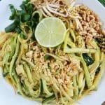 Pad thai z makaronem z cukinii wegetariański - sezonowy, dietetyczny i pyszny