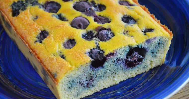 Bezglutenowe ciasto z borówkami – zdrowe, łatwe  i szybkie kokosowe ciasto bez cukru