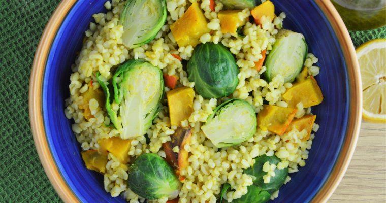 Kasza bulgur z brukselką, dynią i curry – wegańska szybka i zdrowa