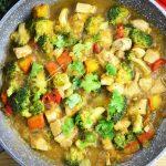 Curry z kurczakiem, dynią i brokułami - pikantne, szybkie i smaczne