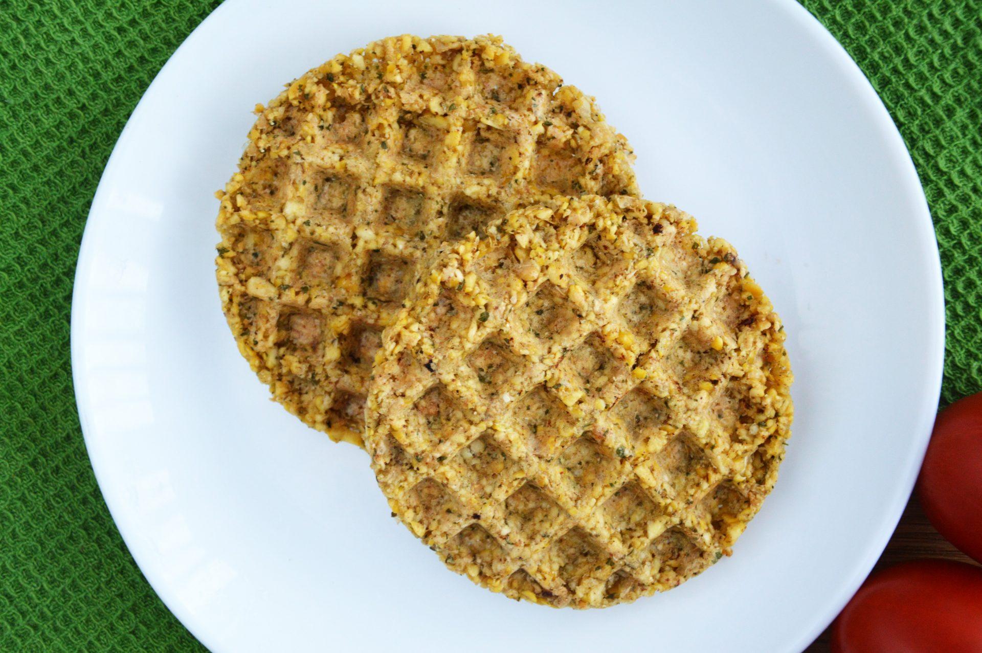 Najłatwiejszy fit falafel bez smażenia - 2 sztuki na talerzu